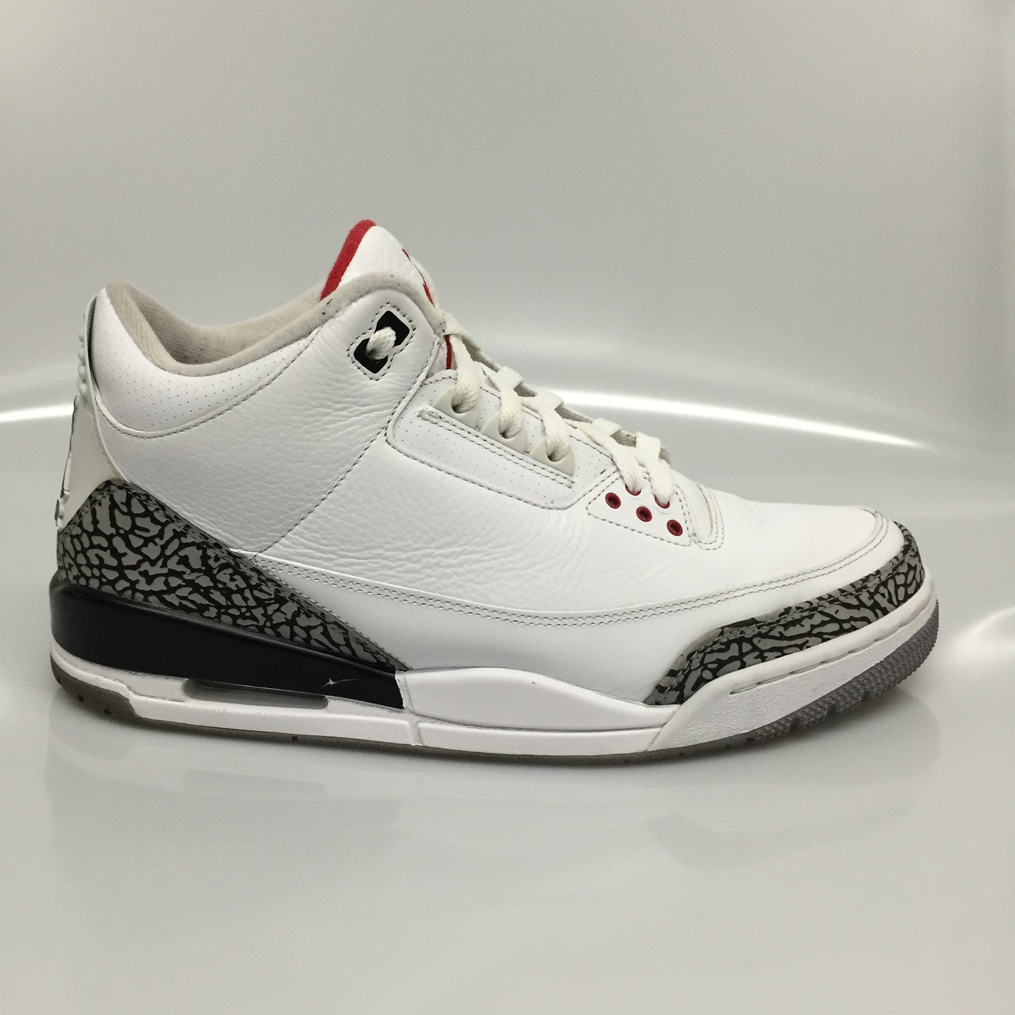 "Air Jordan 3 ""White Cement"" Size 11.5 Pre-Owned"