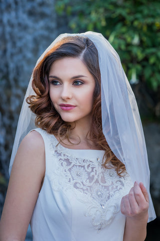Short Simple Tulle Wedding Veil Blusher