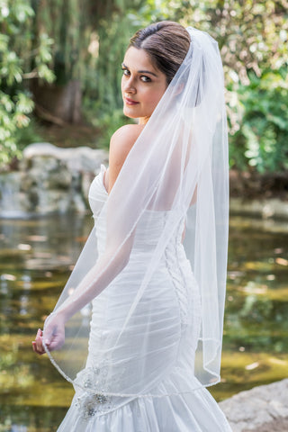 Madrone fingertip beaded wedding veil by Zveil