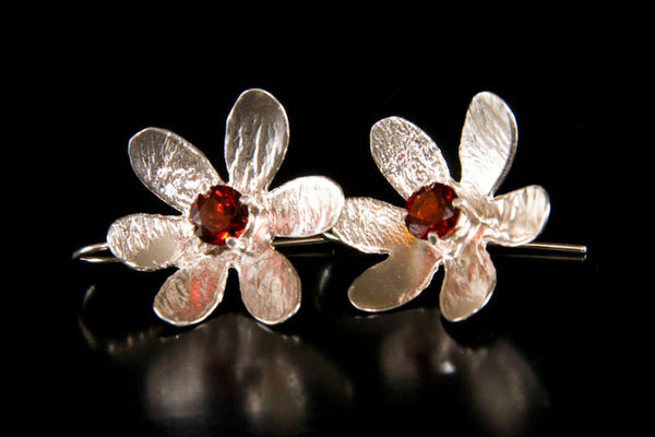 Silver Earrings 70s Flower Garnet