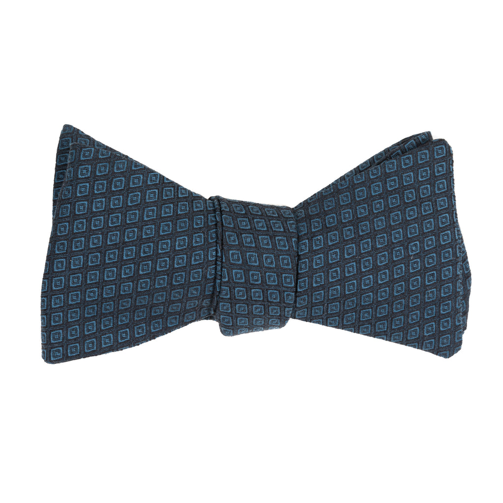 Dot-in-Diamond Grid Bow Tie (3 colors available)