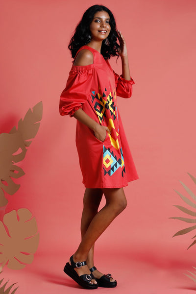 Navajo Rosso – Printed cold shoulder dress