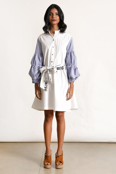 A Passage of time Exaggerated sleeves shirt dress Without print