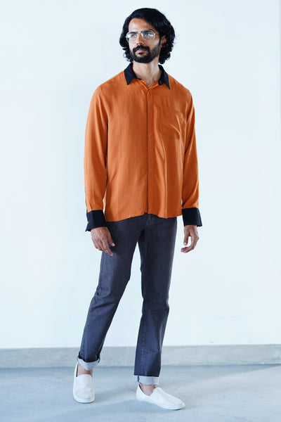 Outland-scapes colour block shirt-black