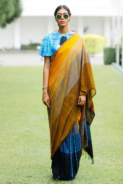 Urban Drape Flecked View Saree