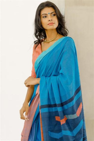 Urban Drape Warna Kala Saree