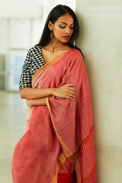 Urban Drape Raktha Warna Saree