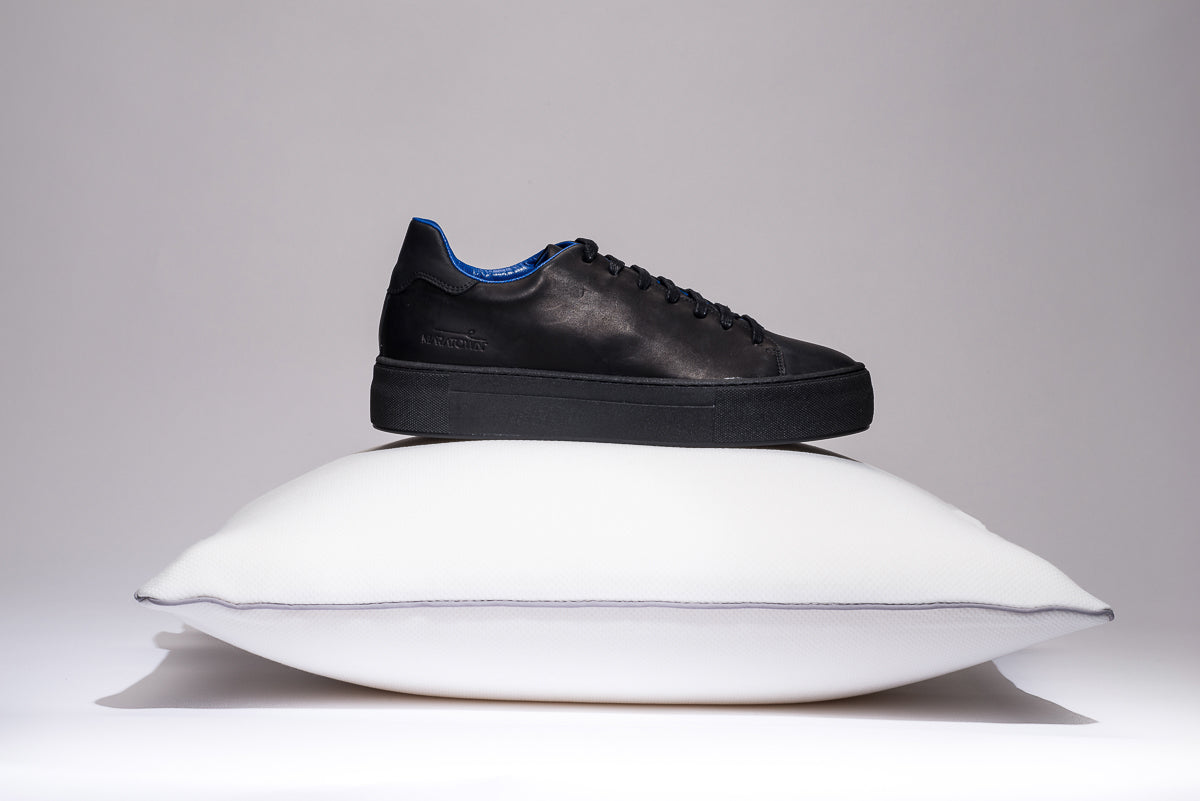maratown-cushioned-sneakers-blue-limited-edition-black-unisex
