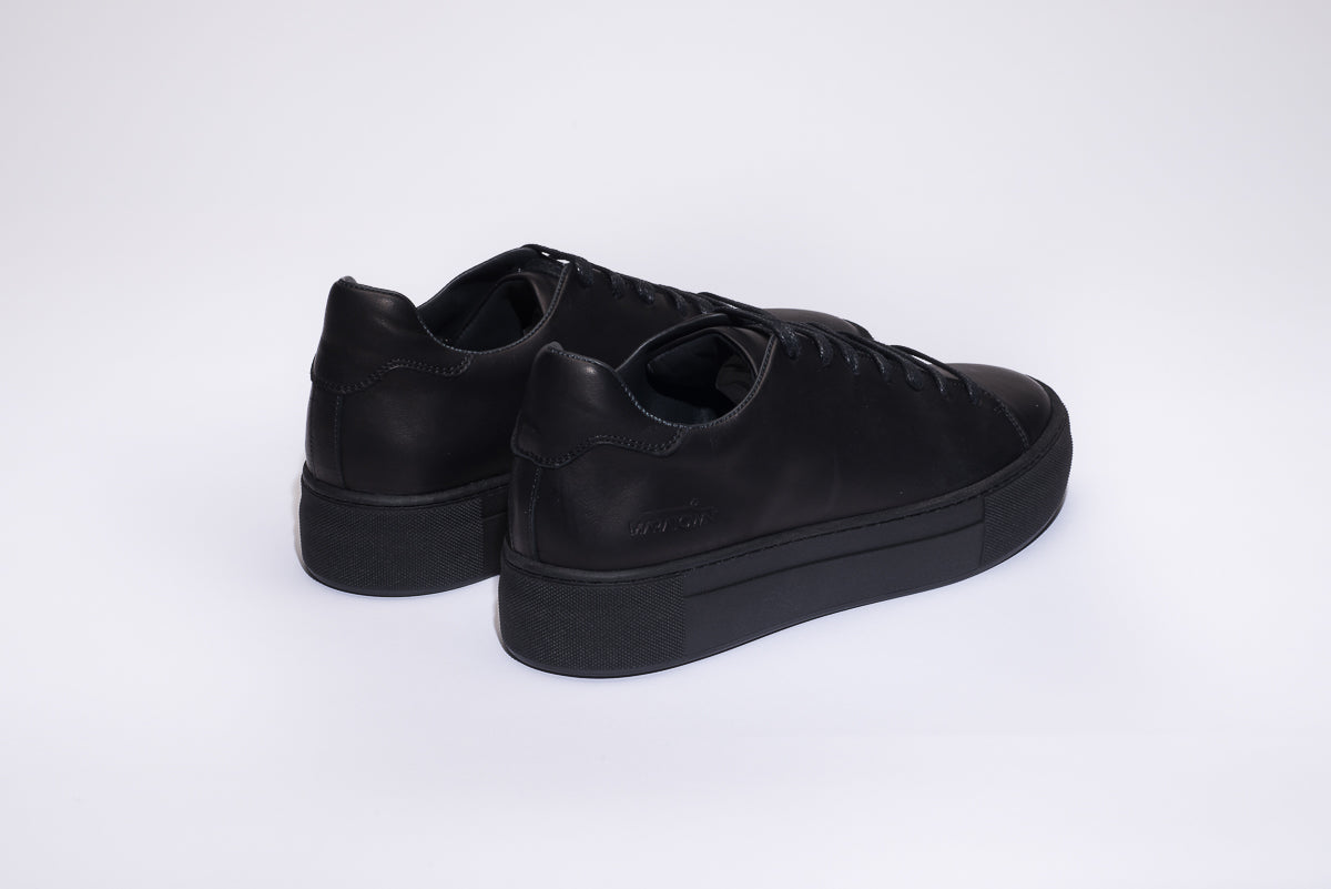 comfortable super sneakers cushioned and black white sole most comforter maratown products padded unisex shoes zek