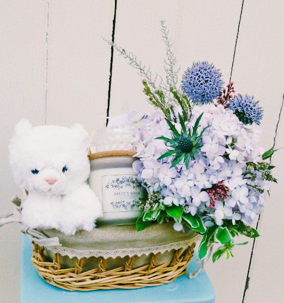 the green room, flower, hamper, gift, plush, toy, candle