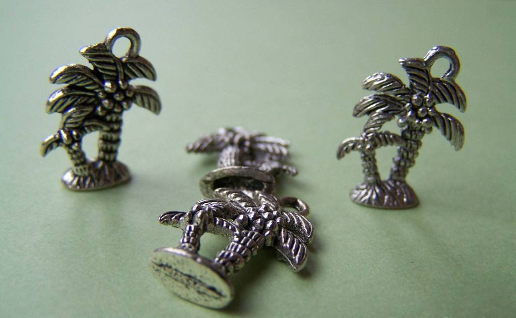 Accessories - 10 Antique Silver Palm Tree Tropical Coconut Tree Charms Pendants  14x18mm A992