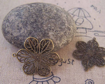 Stampings - 10 pcs Antique Brass Flower Embellishments Connector 20x26mm A5292