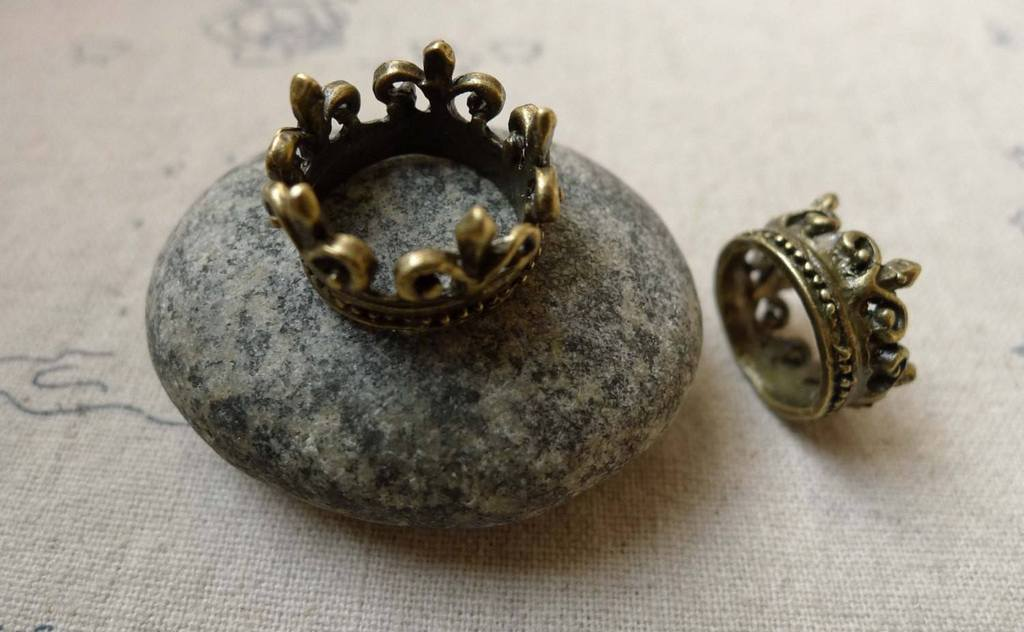 Accessories - 10 Pcs Of Antique Bronze Crown Ring Charms 17mm A6189