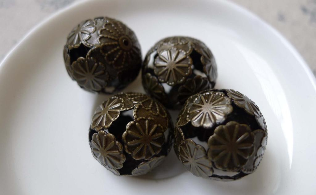 Accessories - 10 Pcs Of Antique Bronze Filigree Flower Floral Ball Beads Size 20mm A7006