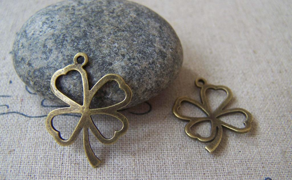 Accessories - 10 Pcs Of Antique Bronze Filigree Four Leaf Clover Lucky Flower Charms 18x25mm A3605