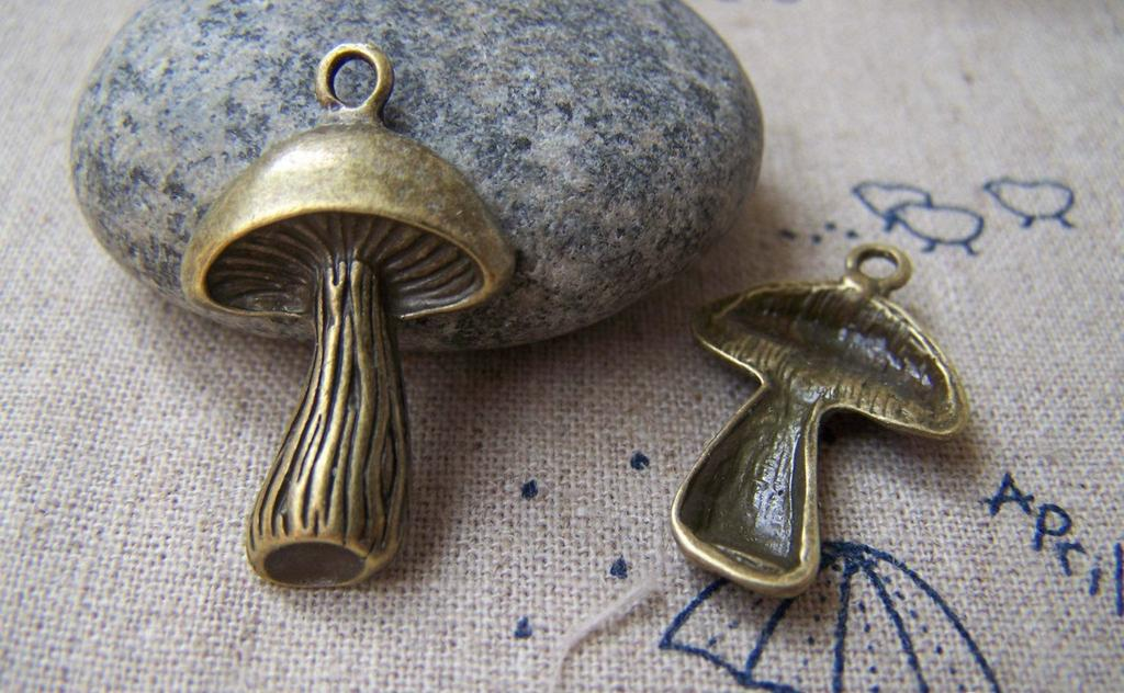 Accessories - 10 Pcs Of Antique Bronze Lovely Mushroom Charms 17x24mm A1814