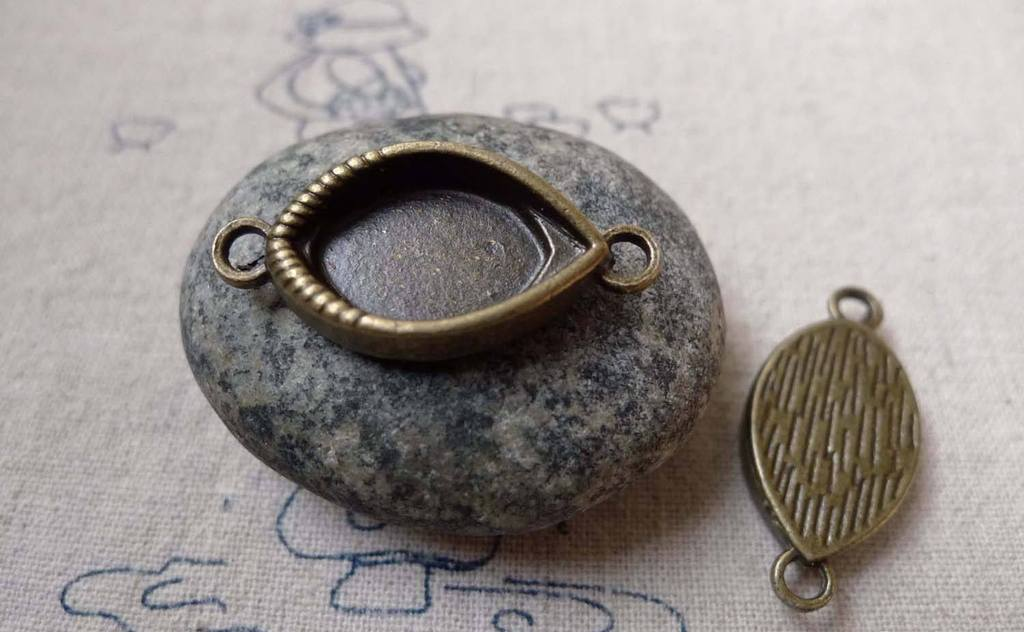 Accessories - 10 Pcs Of Antique Bronze Oval Eye Connector Charms 15x30mm A6389