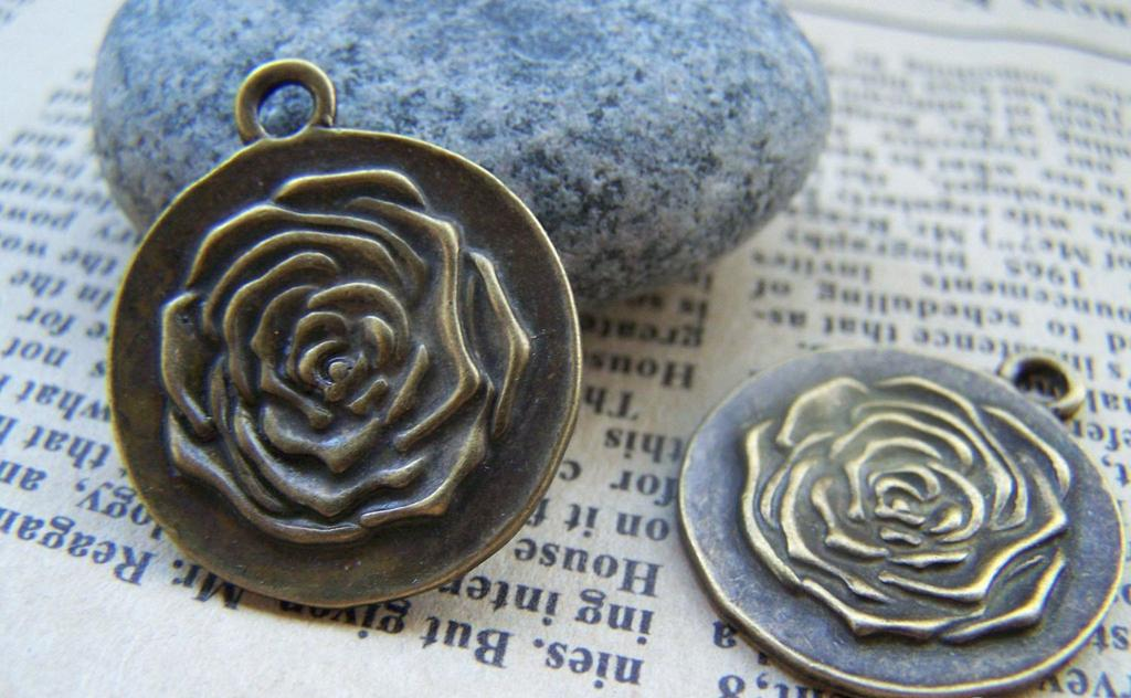 Accessories - 10 Pcs Of Antique Bronze Rose Flower Round Charms Pendants 23mm A453