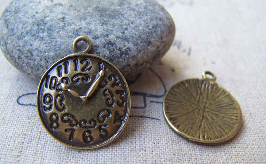 Accessories - 10 Pcs Of Antique Bronze Round Clock Charms 18mm A475