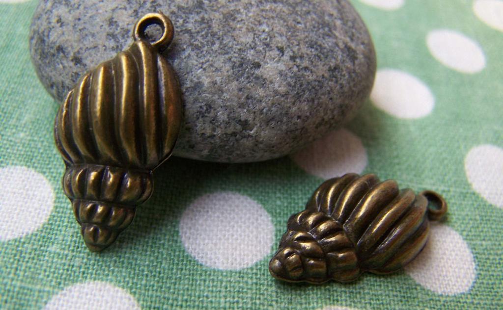 Accessories - 10 Pcs Of Antique Bronze Sea Snail Conch Charms 13x21mm A3402
