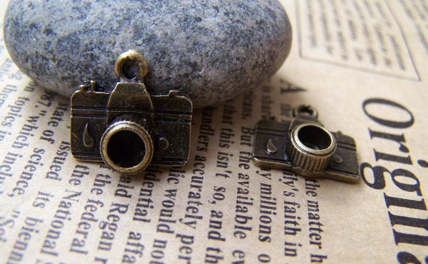 Accessories - 10 Pcs Of Antique Bronze Tiny Camera Charms 15x15mm A1788