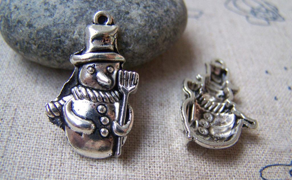 Accessories - 10 Pcs Of Antique Silver Christmas Snowman Charms 16x27mm A1549