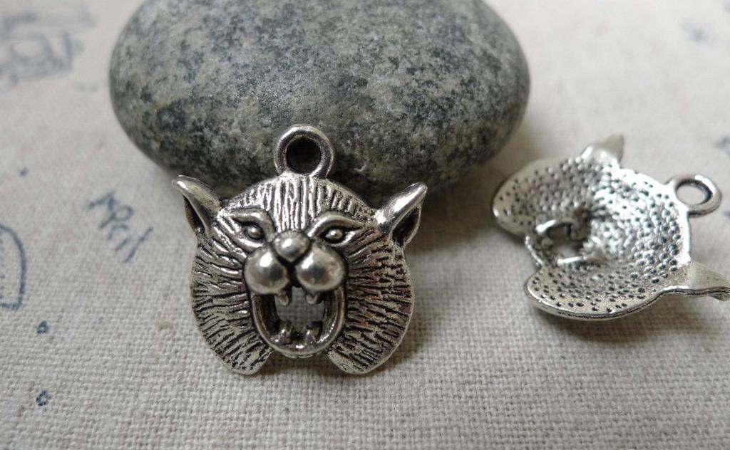 Accessories - 10 Pcs Of Antique Silver Grizzly Bear Charms Pendants   17x20mm A5989