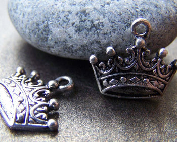 Accessories - 10 Pcs Of Antique Silver Lovely Crown Charms 12x17mm A767
