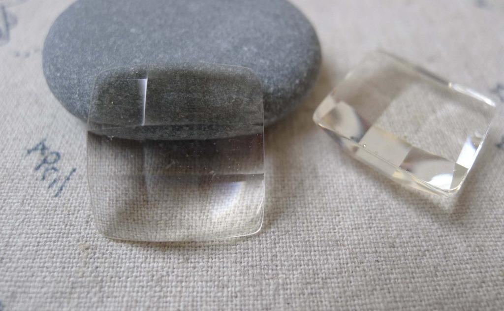 Accessories - 10 Pcs Of Plastic Dome Faceted Square Cameo Cabochon 20mm A7019