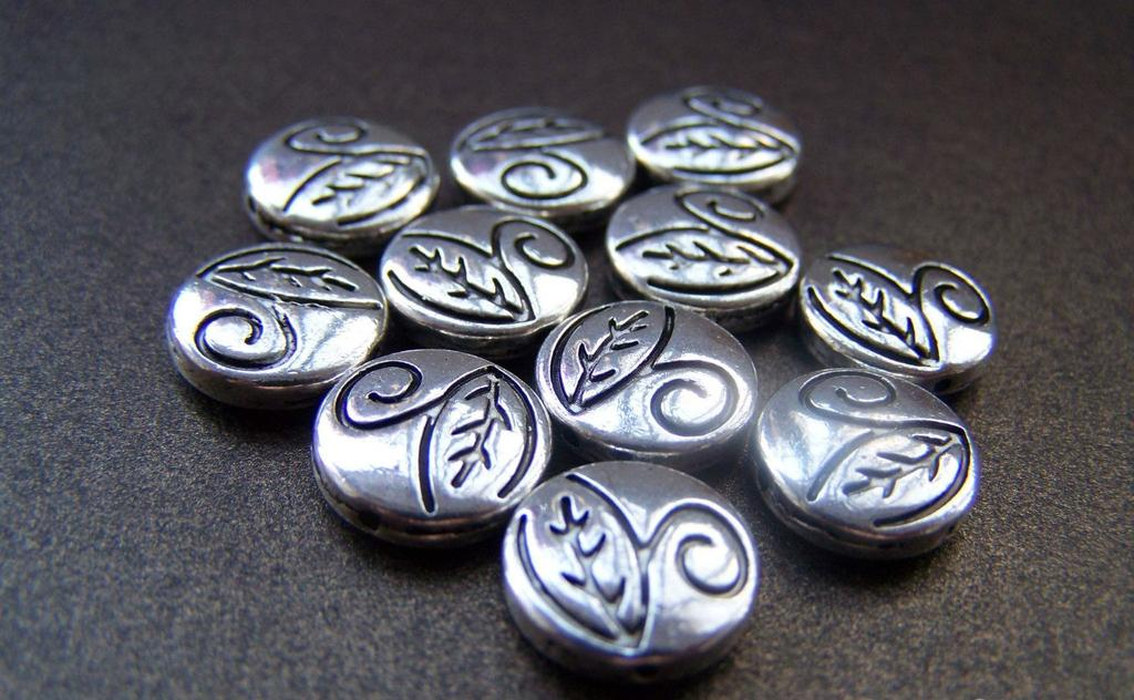 Accessories - 10 Pcs Of Tibetan Silver Antique Silver Leaf Rondelle Spacer Beads 12mm A954