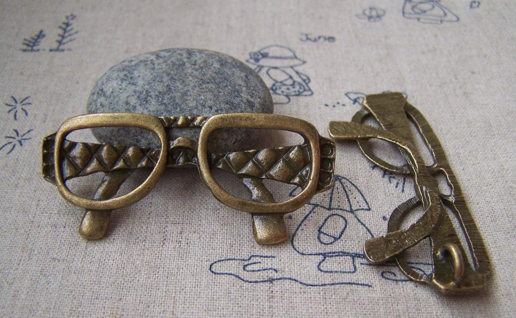 Accessories - 2 Pcs Of Antique Bronze Huge Eyeglasses Pendants 27x62mm A1459