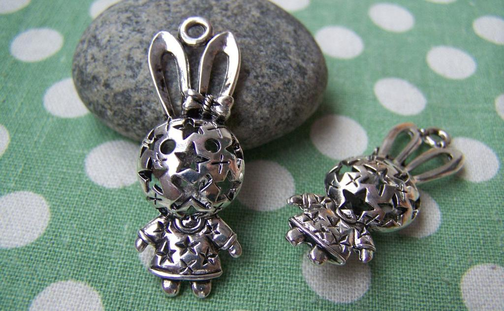 Accessories - 2 Pcs Of Antique Silver Filigree Rabbit Charms Pendants 15x38mm A1142