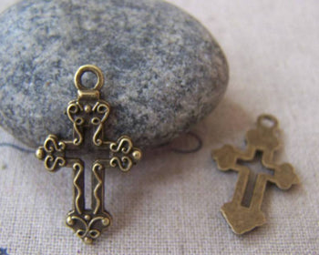 Accessories - 20 Pcs Of Antique Bronze Filigree Cross Charms 16x26mm A4396