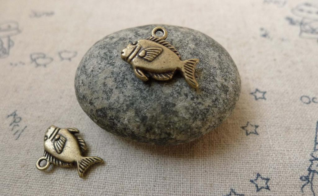 Accessories - 20 Pcs Of Antique Bronze Fish Charms Double Sided 11x17mm  A6226
