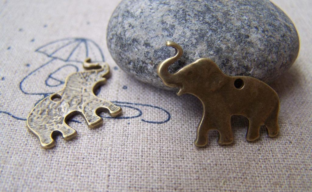 Accessories - 20 Pcs Of Antique Bronze Lovely Elephant Charms 16x26mm A3003