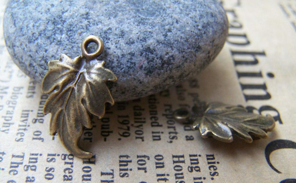 Accessories - 20 Pcs Of Antique Bronze Lovely Leaf Connectors Charms 12x19mm A396