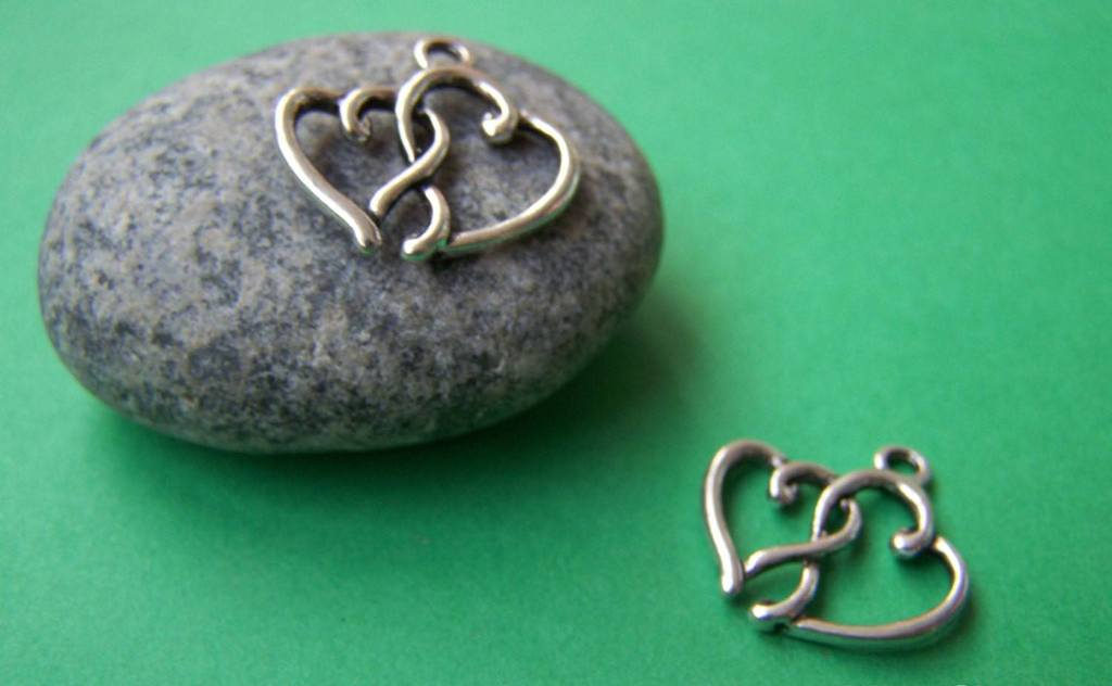 Accessories - 20 Pcs Of Antique Silver Double Heart Charms 16x20mm A920