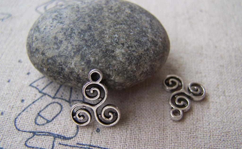 Accessories - 20 Pcs Of Antique Silver Filigree Flower Spiral Coiled Charms 13x16mm A1950