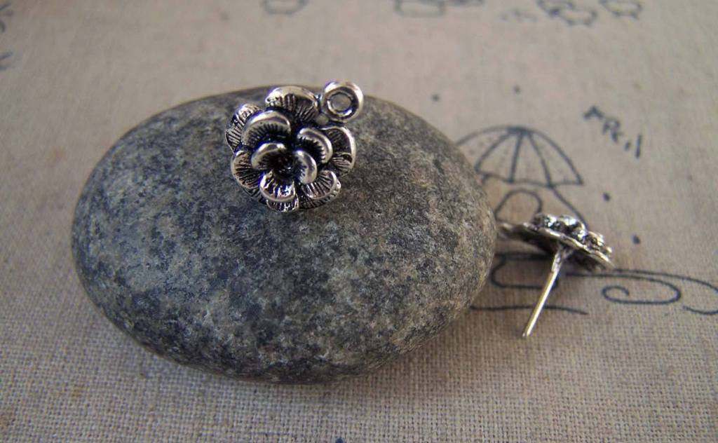Accessories - 20 Pcs Of Antique Silver Flower Earring Posts With Loop Steel Pin 12mm A5419