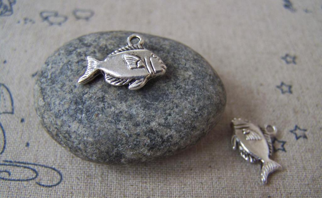 Accessories - 20 Pcs Of Antique Silver Lovely Salmon Fish Charms 10x18mm A4625