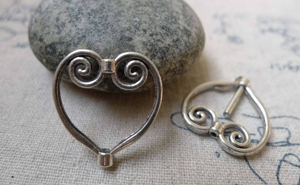 Accessories - 20 Pcs Of Antique Silver Swirly Heart Spacer Charms Connector 20x21mm A6054