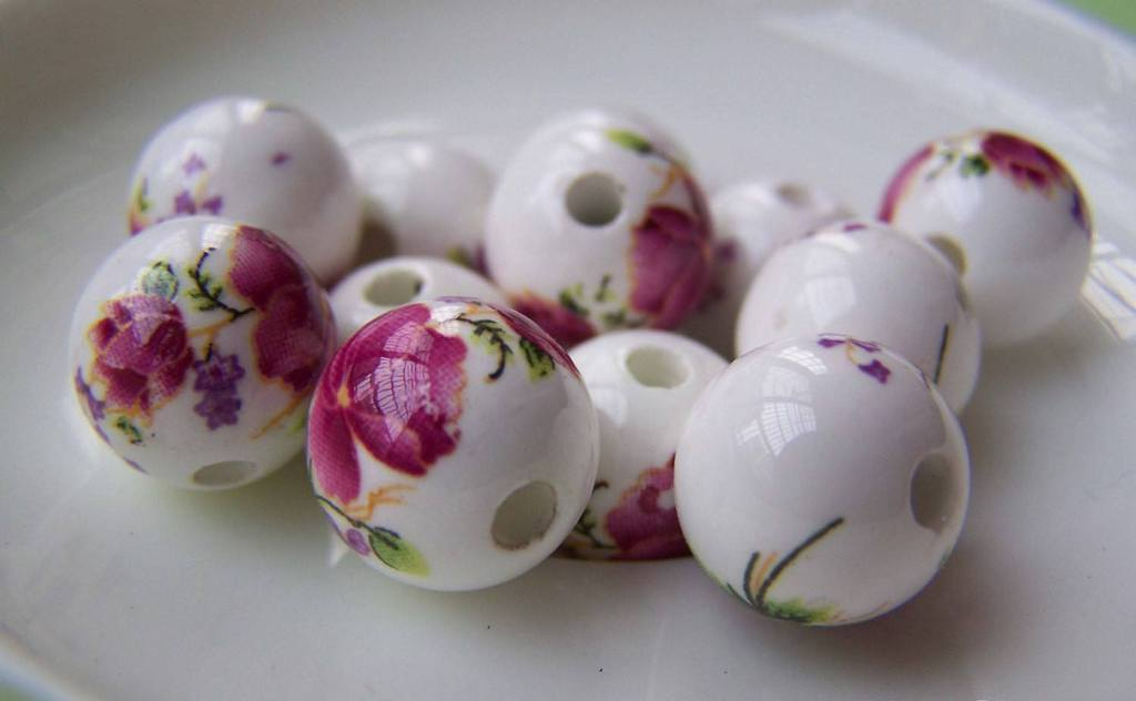 Accessories - 20 Pcs Of Hand Painted Lovely Red Flower Chinese Ceramic Beads 12mm   A1892