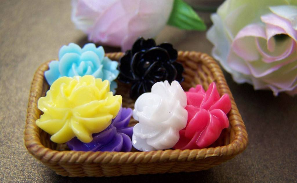 Accessories - 20 Pcs Of Resin Round Flower Cameo Cabochon Assorted Color 14mm A3970