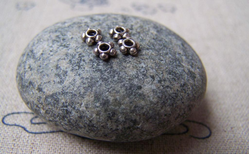 Accessories - 200 Pcs Of Antique Silver Flower Spacer Beads 4.5mm A3432