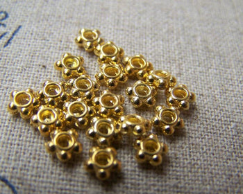Accessories - 200 Pcs Of Gold Tone Flower Spacer Beads 4.5mm A2818