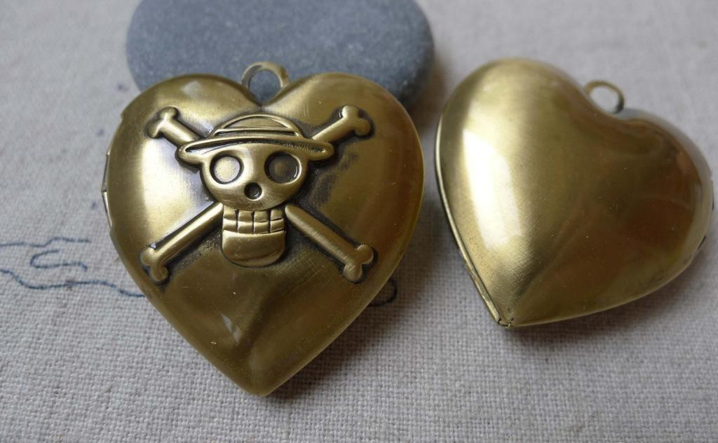 Accessories - 4 Pcs Of Antique Bronze Brass Pirate Heart Photo Locket Charms 34mm A7008