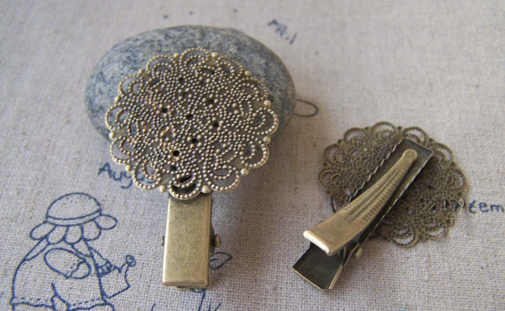 Accessories - 4 Pcs Of Antique Bronze Filigree Round Hair Clips 31x45mm A2380
