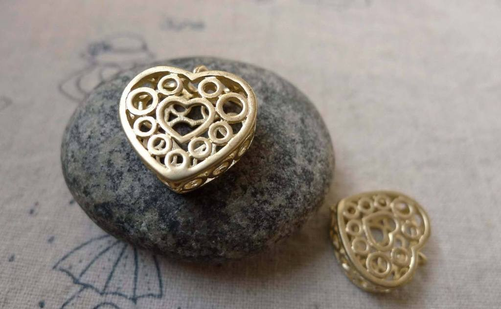 Accessories - 4 Pcs Of Matte Gold Brass 3D Filigree Heart Pendants Charms 15x16mm A6181