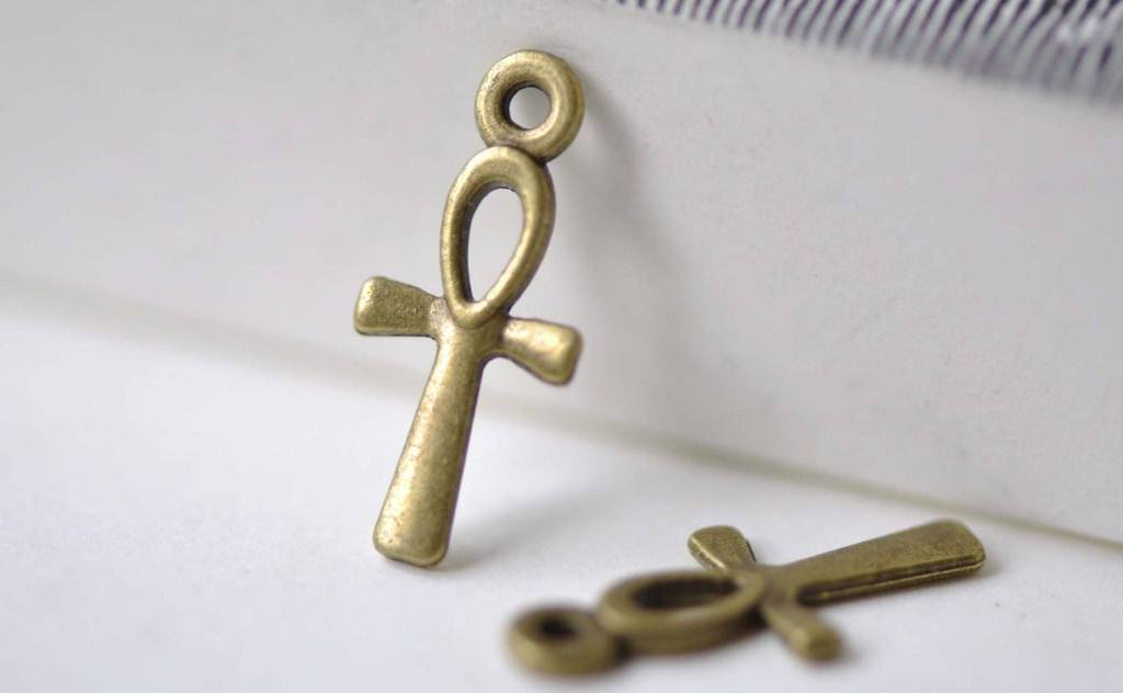 Accessories - 50 Pcs Of Antique Bronze Egyptian Ankh Cross Charms 18x18mm A2373