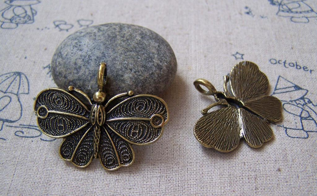 Accessories - 6 Pcs Antique Bronze Butterfly Pendants 32x42mm A5060